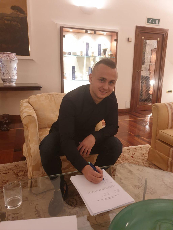 Наполи объявил о трансфере Лоботки