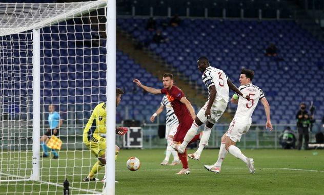 Рома взяла реванш у Манчестер Юнайтед, но пропустила соперников в финал Лиги Европы