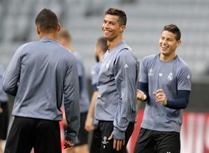 Фото с предматчевой тренировки Реала перед игрой с Баварией