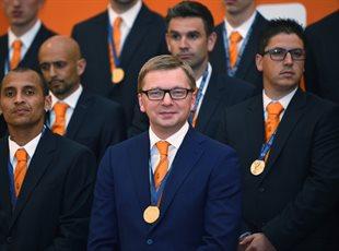 Шахтер наградили золотыми медалями