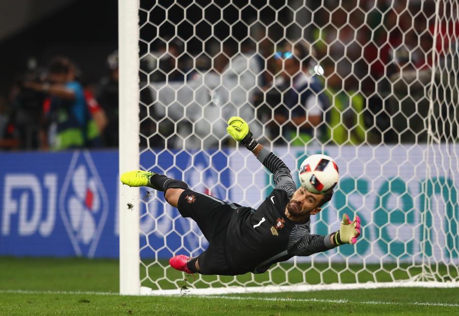 Польша 1:1 Португалия (3:5 по пенальти)