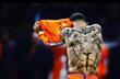 От черепов до портрета матери: команда самых татуированных футболистов мира
