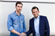 Леон Горецка и спортивный директор Баварии Хасан Салихамиджич, фото ФК Бавария