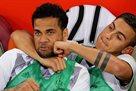 Тоттенхэм предложил Дани Алвесу двухлетний контракт