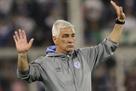 Фанат Велеса плюнул в тренера и тот ушел в отставку