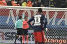 Вратарь Кана помешал игроку отпраздновать гол и получил красную карточку