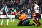 Фанаты Вест Хэма устроили беспорядки во время матча с Бернли