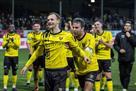 Болельщики ПСВ устроили длительную овацию футболисту соперников