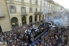 Шестеро болельщиков пострадали во время чемпионского парада Ювентуса
