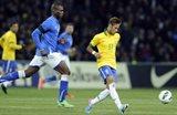 Неймар во вчерашнем матче против сборной Италии, Getty Images