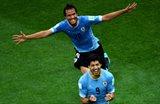 Гонсалес спешит поздравить Суареса, фото getty images