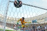 Матс Хуммельс забивает французам, Getty Images