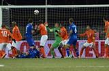Гильфи Сигурдссон забивает второй гол, фото getty images