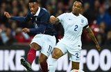 Антони Мартиаль (слева) в матче против англичан, Getty Images