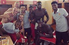 Футболисты Монако после победы, twitter.com/as_monaco