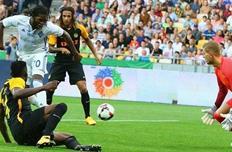 мбокани забивает второй гол в матче, фк динамо