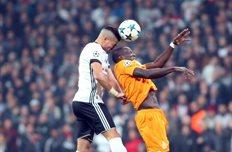 Бешикташ гарантировал себе плей-офф Лиги чемпионов, сыграв вничью с Порту