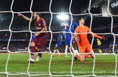 Тибо Куртуа все-таки пришлось один раз достать мяч из сетки, Getty Images