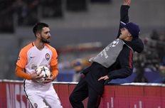 УЕФА накажет Рому за болл-боя, которого толкнул Феррейра