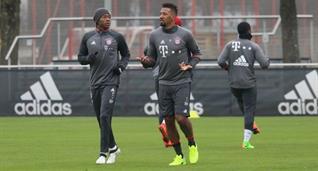 Жером Боатенг (справа), fcbayern.com