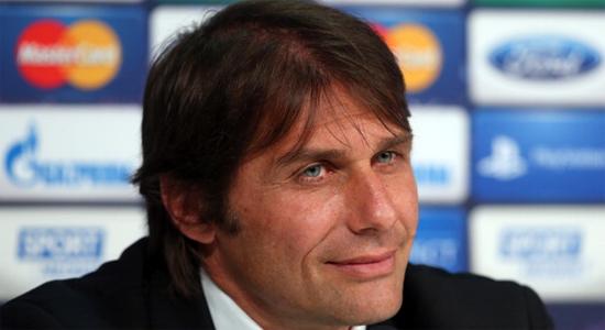 Туринский клуб намерен и дальше следовать привычной для себя схеме.  Ювентус: Конте не откажется от игры в три...
