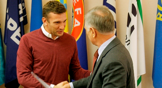 Шевченко получил тренерский диплом (фото)