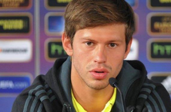 Официально: Динамо отдало Смолова в Анжи