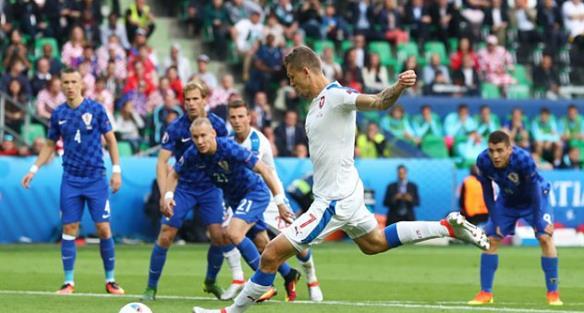 Турки победили чехов в борьбе за3 место группы наЕвро
