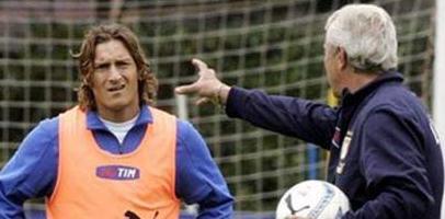 Марчело Липпи (справа) и Франческо Тотти