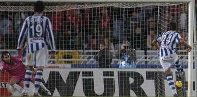 Хаби Прието открывает счет в матче, фото marca.com