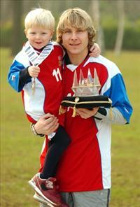 Певел Недвед с сыном, фото soccers.fr