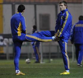 Да что там руками, ногами тоже! фото Ильи Хохлова, Football.ua