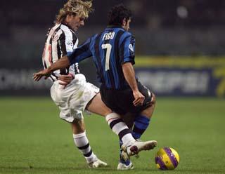 Две эпохи... Фото footballpictures.net