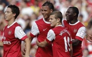 Уилшир со своей командой