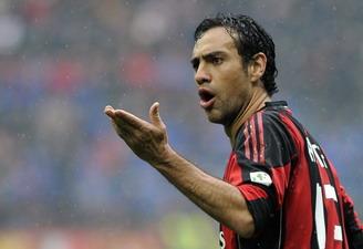 Алессандро Неста может играть под дождем, но не с травмой, Reuters