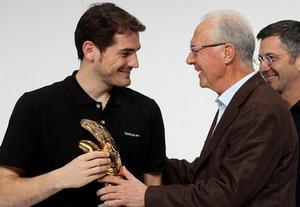 Скоро, Икер, эту перчаточку немец будет брать, фото Getty Images