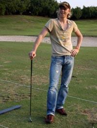 А может, он гольфист? :) timo4.com