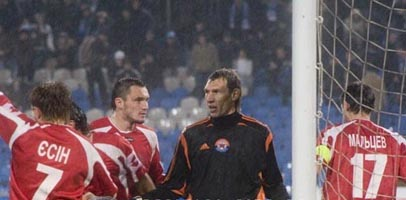 Только что Шуховцев отразил пенальти, fcdnipro.dp.ua