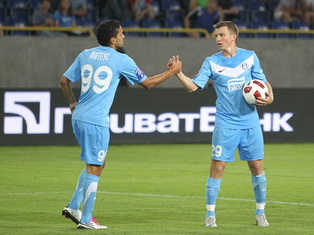 Ротань и Матеус, фото Станислав Ведмидь, Football.ua