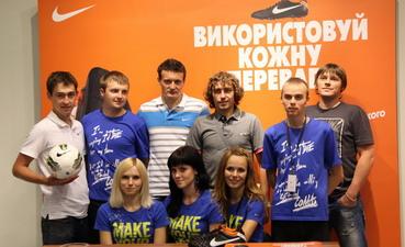 Худобяк и Федецкий дали автограф-сессию