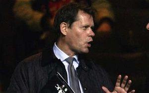 Проблемы Гамбурга многие связывают с появлением в клубе Арнесена, telegraph.co.uk