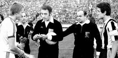 Олег Блохин (слева)