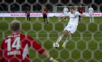 Безус забивает Ганноверу, фото Getty Images