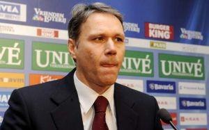 Марко ван Бастен, фото goal.com