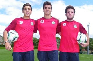 Трио португальских юношей, rovers.co.uk