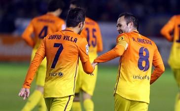 Барселона празднует первый гол Вильи, fcbarcelona.com
