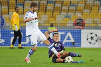 Мигел Велозу в матче против Порту, фото Ильи Хохлова, Football.ua