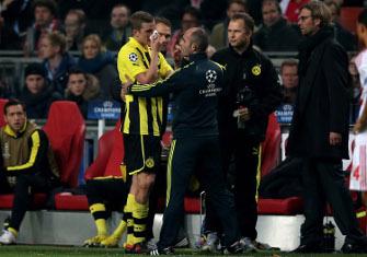 Свен Бендер не закончил матч против Аякса, Getty Images