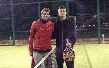 Виланова с сыном на корте, marca.com