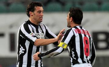 Богдани (слева) принес Сиене три очка, Getty Images